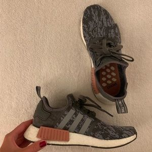 Women's Adidas NMD Size 8 Gray & Pink Sneakers
